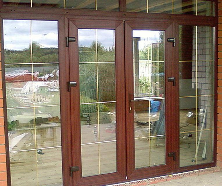 Стеклянные двери для дачи