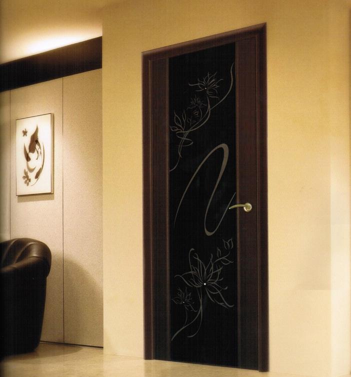 Дверь триплекс в интерьере
