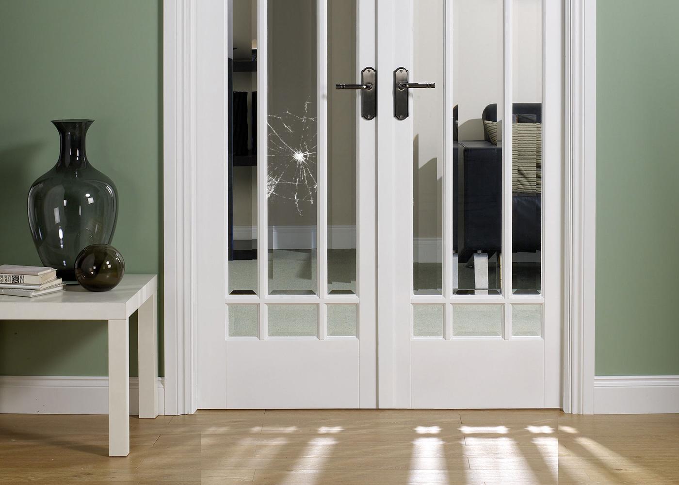 Как поменять стекло в межкомнатной двери 14