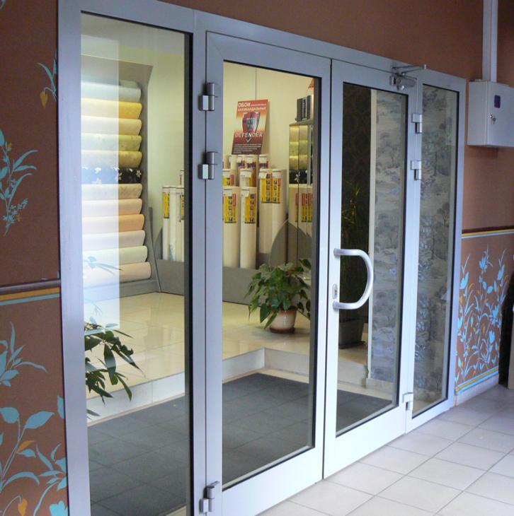 Входная дверь из алюминия