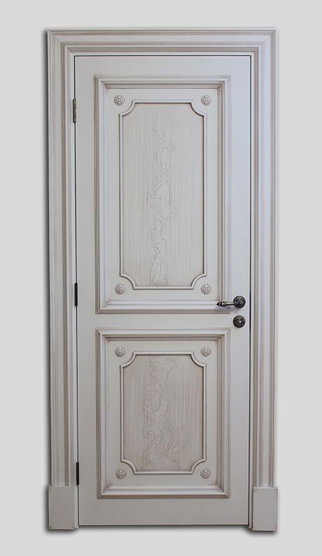 двери входные белые классические
