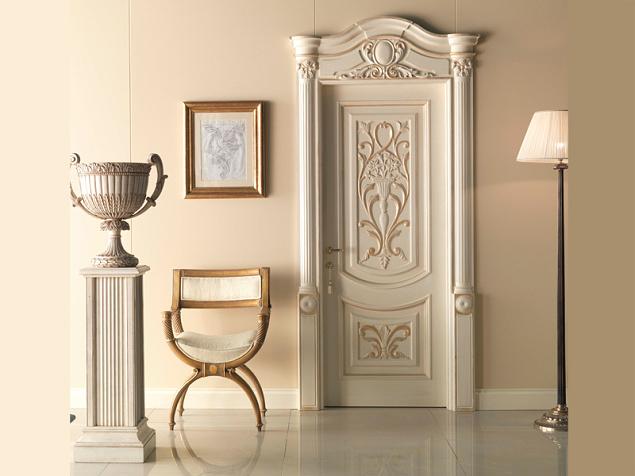 Итальянская дверь белого цвета