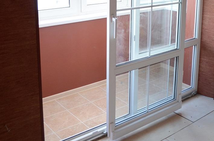 Балконные двери из пластика