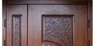 Двупольная входная дверь с декором
