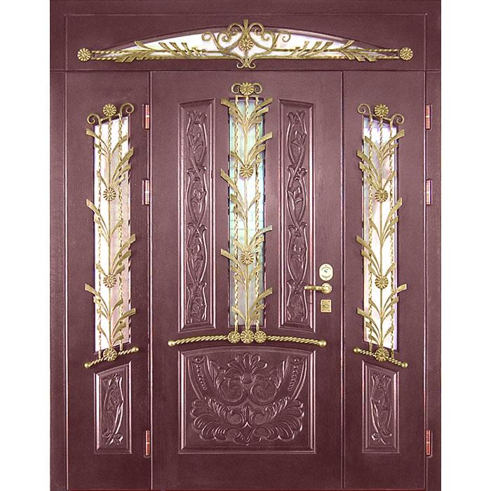 Дубовая дверь с декоративными элементами