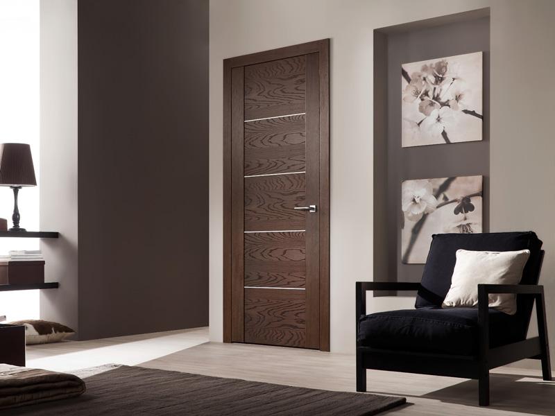 Двери из шпона в интерьере