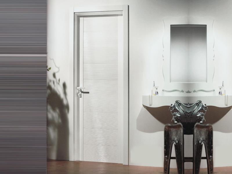 Пластиковая дверь в ванной