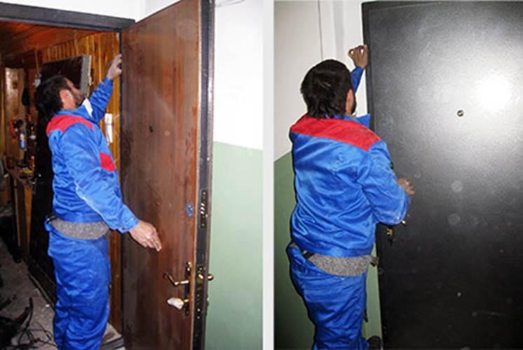 Навешивание двери на петли