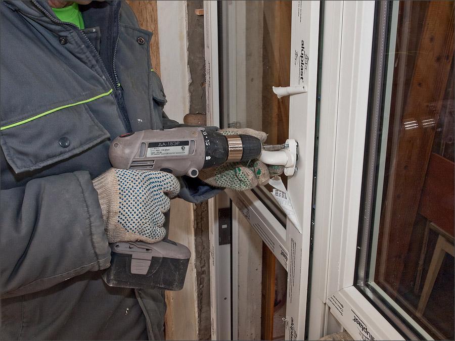 Ремонт пластиковых дверей своими руками: балконных и межкомн.