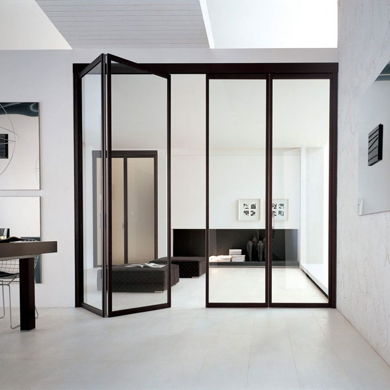 Складная дверь из стекла