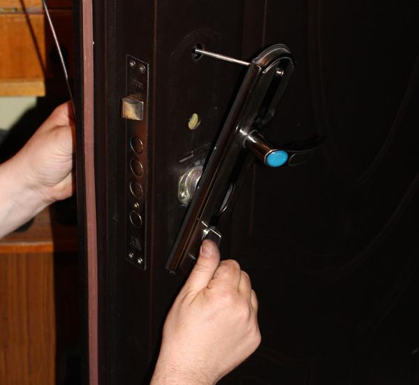 Монтаж накладки двери