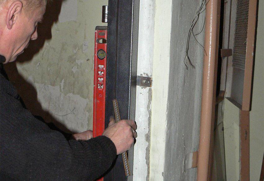 Установка железной двери в квартиру своими руками видео 187