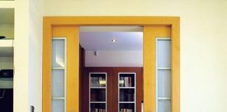 Раздвижная дверь в интерьере