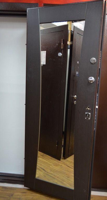 Модель двери со встроенным зеркалом