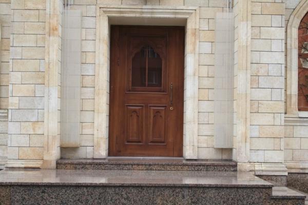 Входная ясеневая дверь