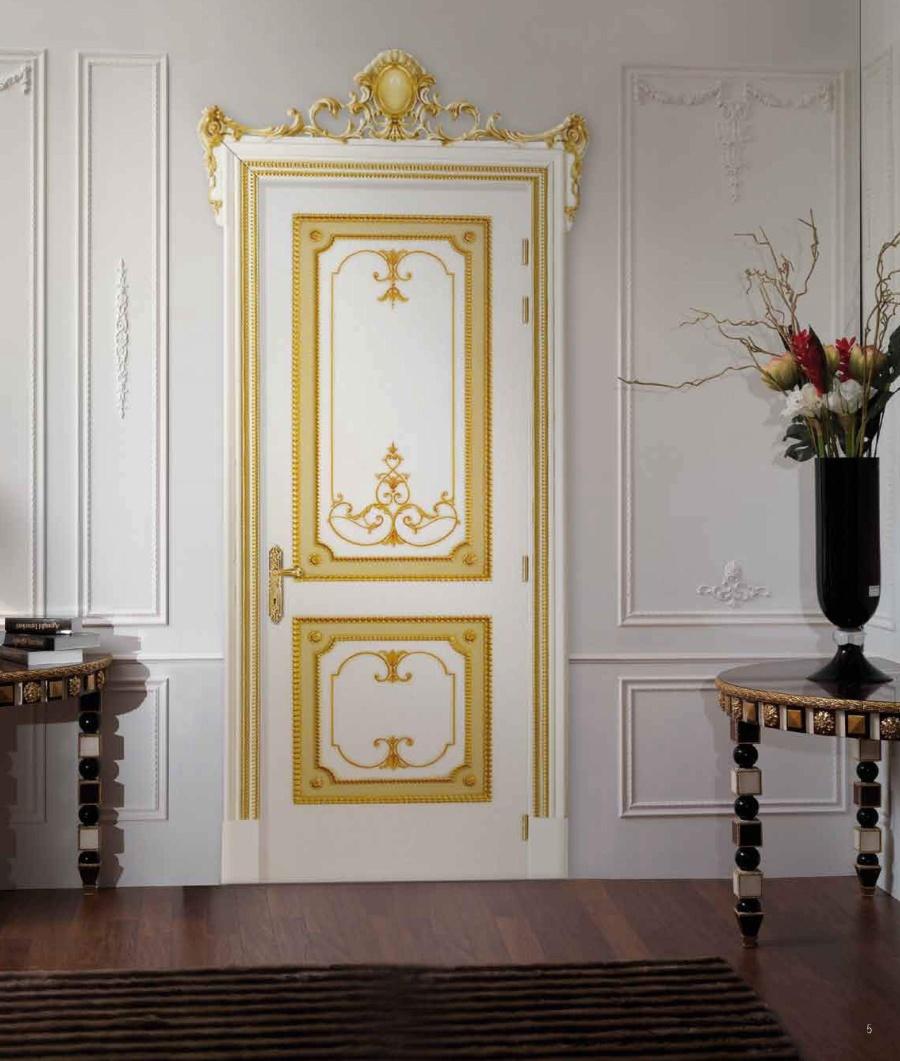 Дверь в стиле барокко