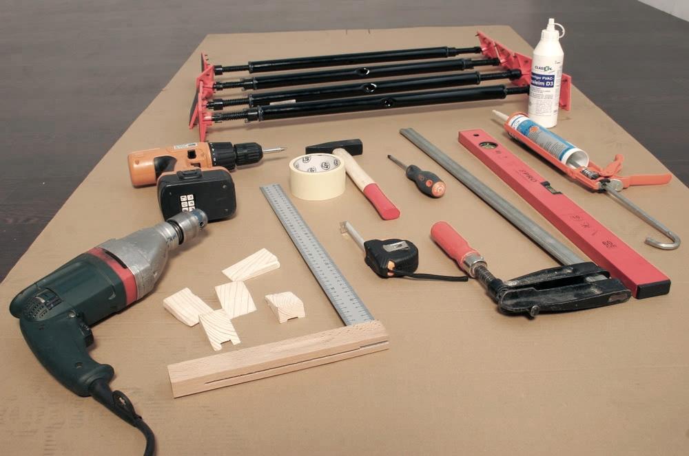 Инструменты для монтажа дверей