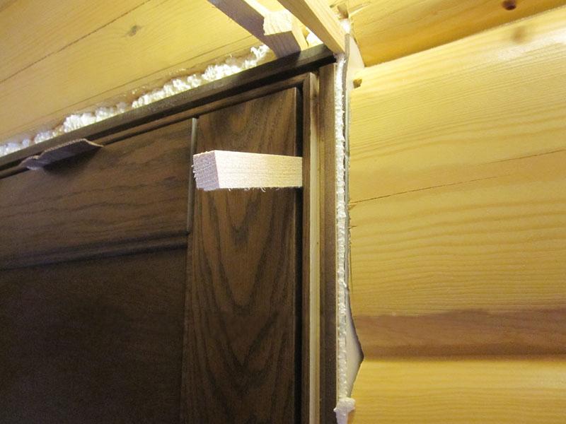 Запененная дверная коробка