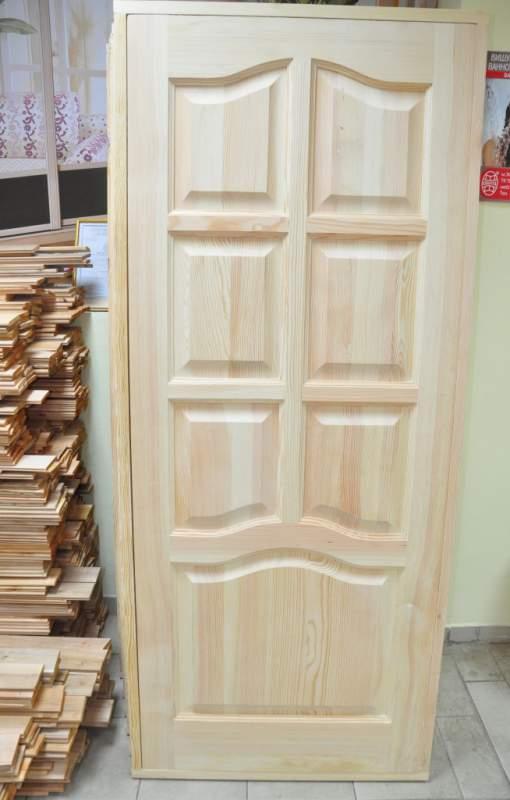 Неокрашенная дверь