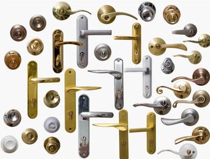 Дверные ручки с запорным механизмом