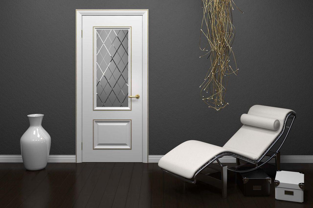 Дверь окрашенная белой эмалью