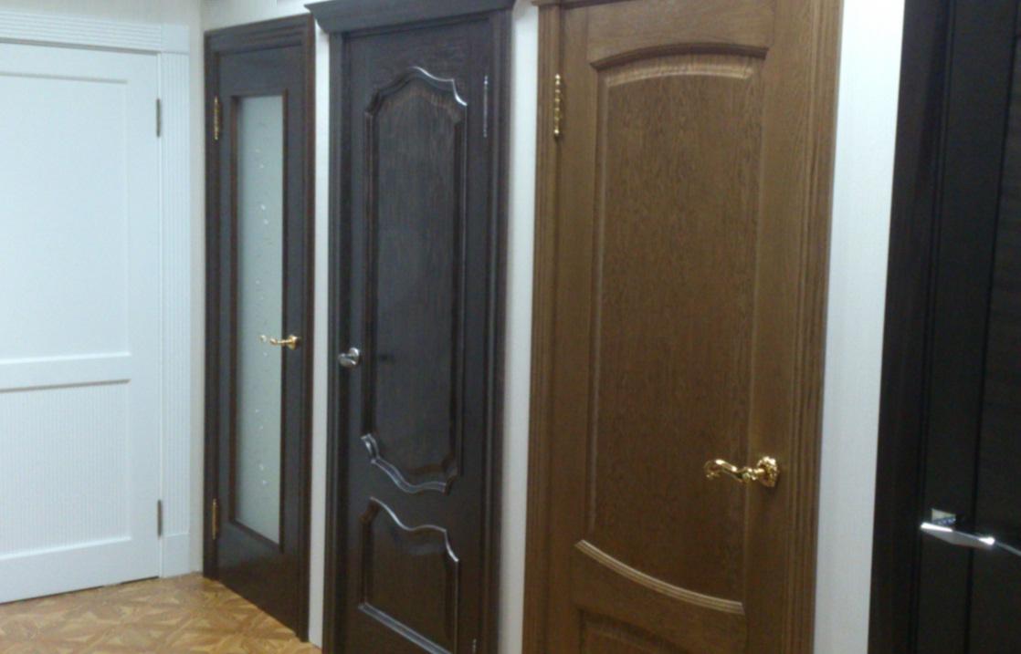 Крашенные двери из массива