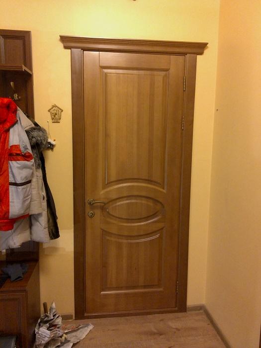 Входная дверь из массива бука