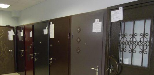 Входные двери в салоне продаж