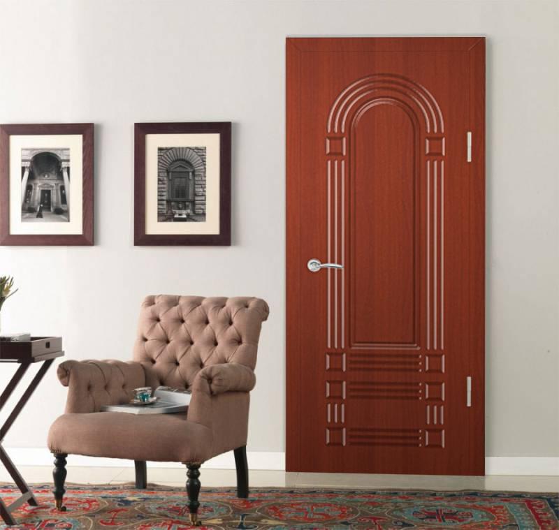 Дверь компании Экспресс Гарант в интерьере