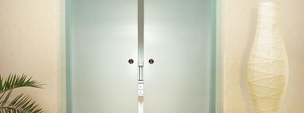 Раздвижная дверь из матированного стекла