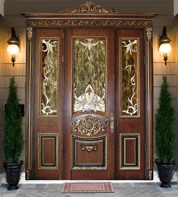 Дорогая входная дверь