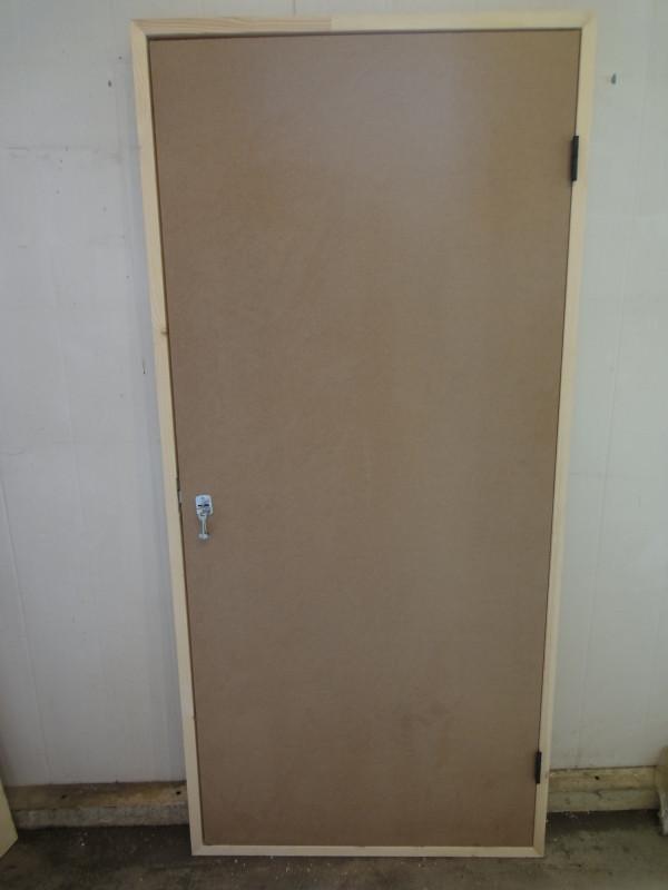 Дверь из оргалита