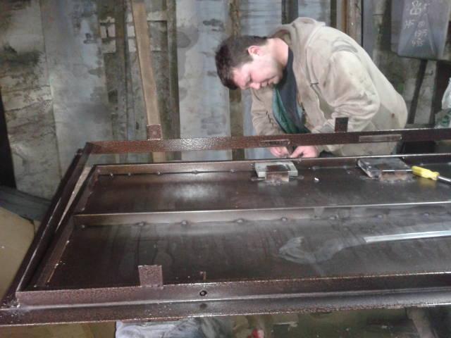 Монтаж в металлическую поверхность
