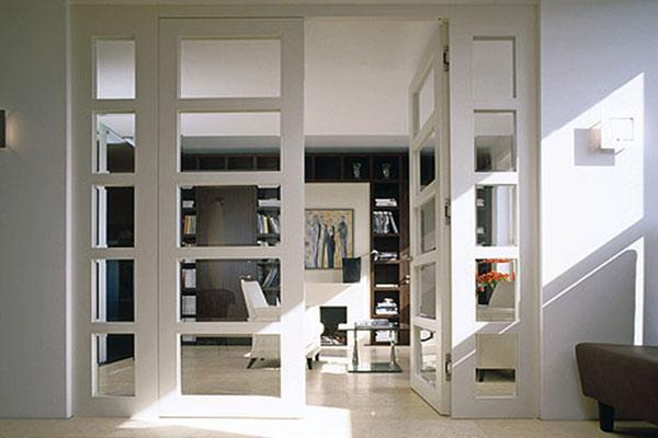 Распашной вариант двери