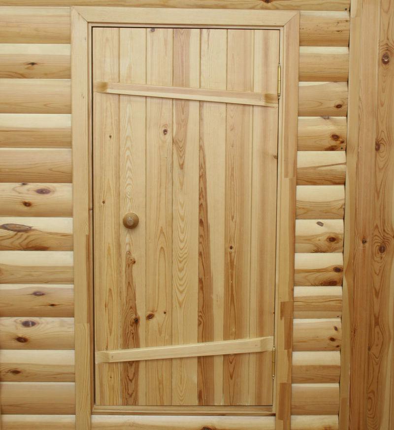 Дверь с армирующей планкой