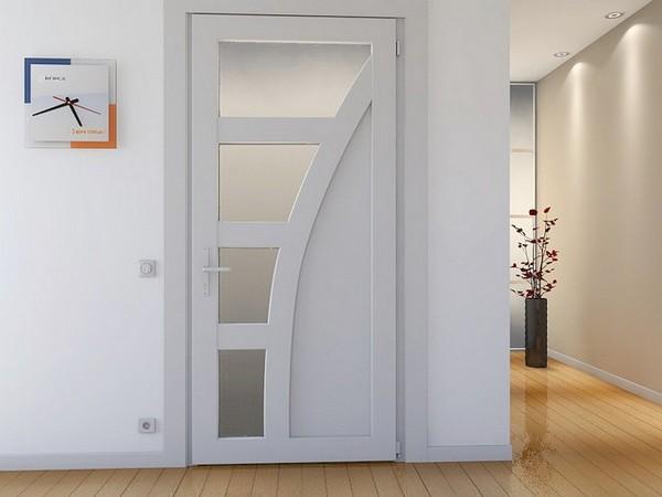 Пластиковая дверь в интерьере квартиры