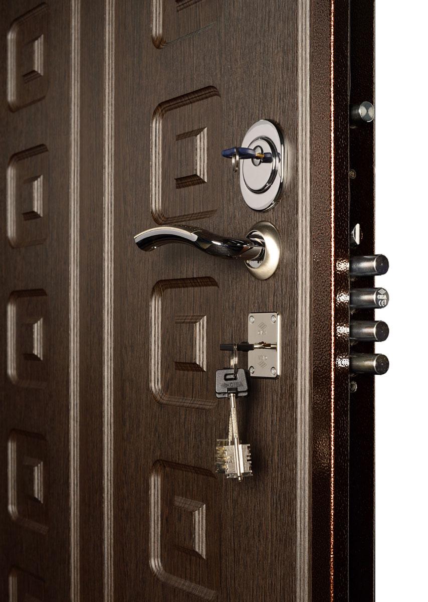 Как установить стальные двери?