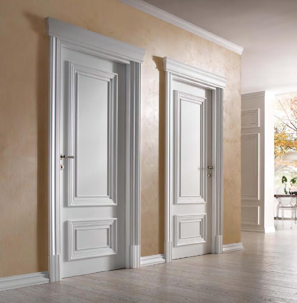 белые двери классические и со стеклом металлические