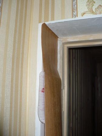 Декор проема двери с помощью пленки
