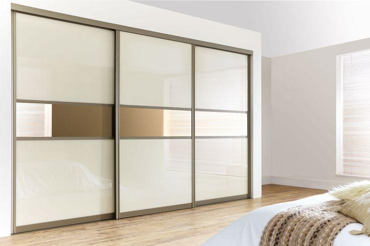 Дверь для гардеробной из комбинированных материалов