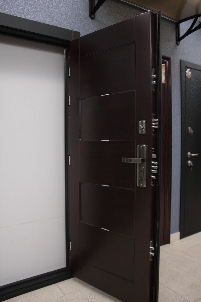 Дверь фирмы Форпост