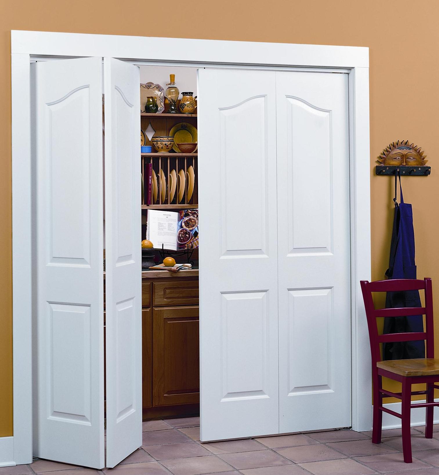 Деревянная складная дверь
