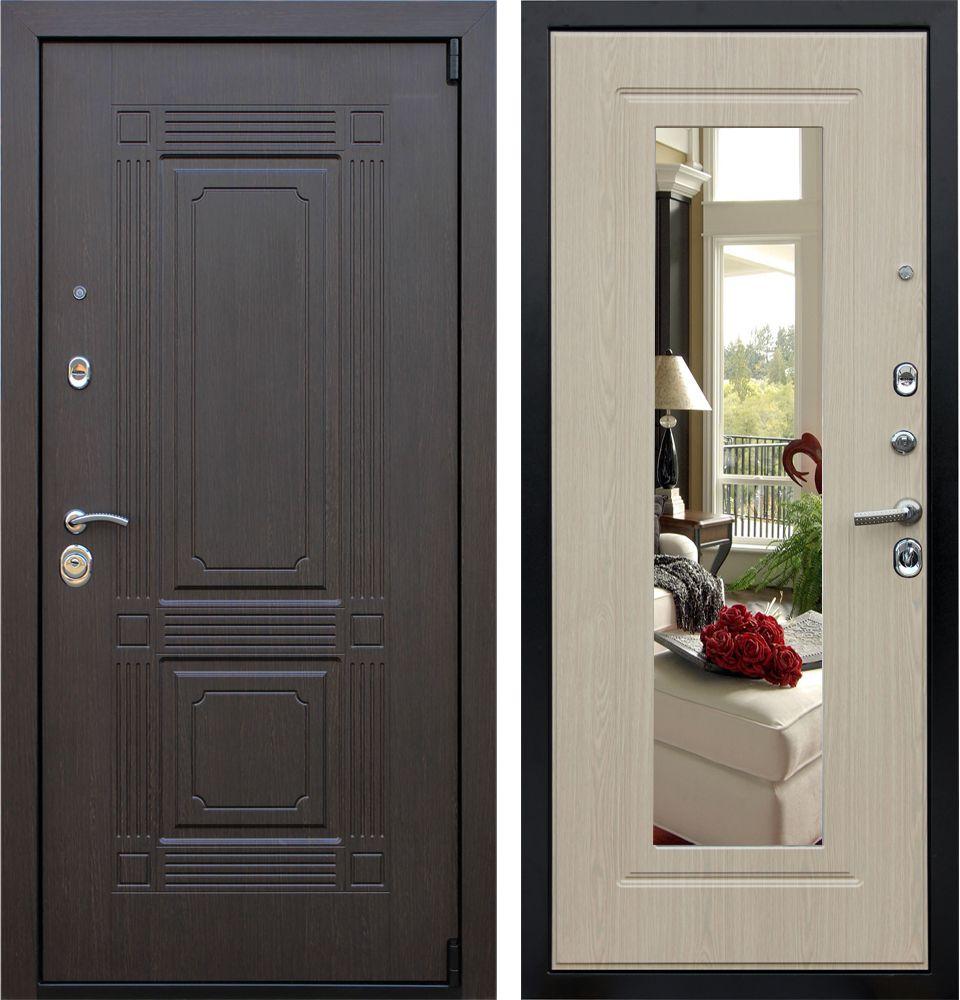 Фотография входной двери с зеркалом