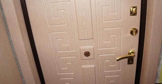 Шпонированная дверная накладка