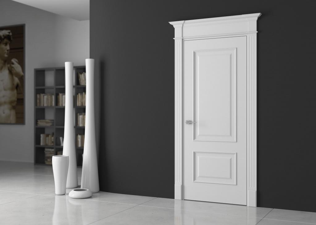 Белая дверь в сером интерьере