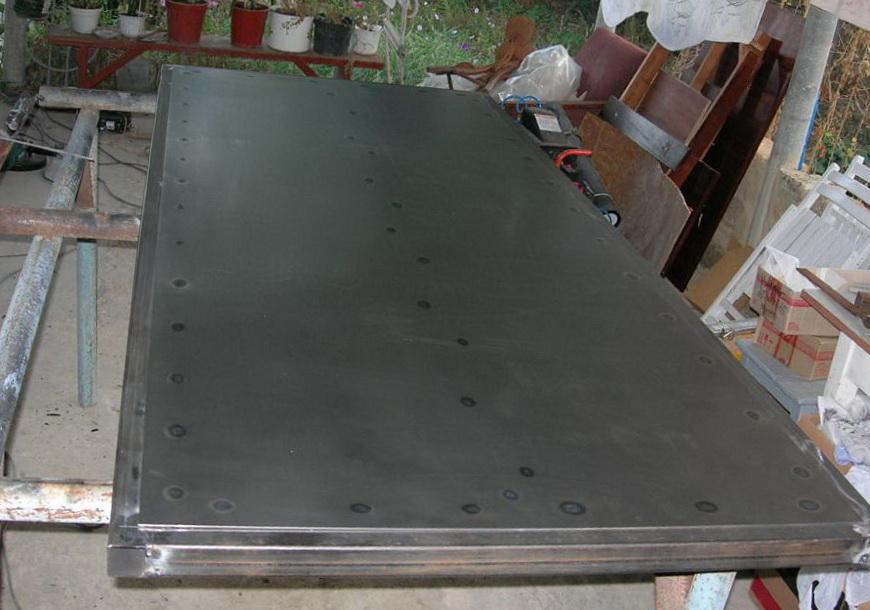 Самодельное дверное полотно из металла