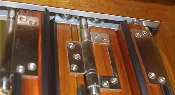 Направляющие складной двери