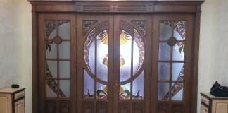 Четырехстворчатая дверь стиля модерн