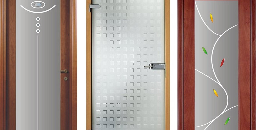 Разные виды дверей с матированными стеклом