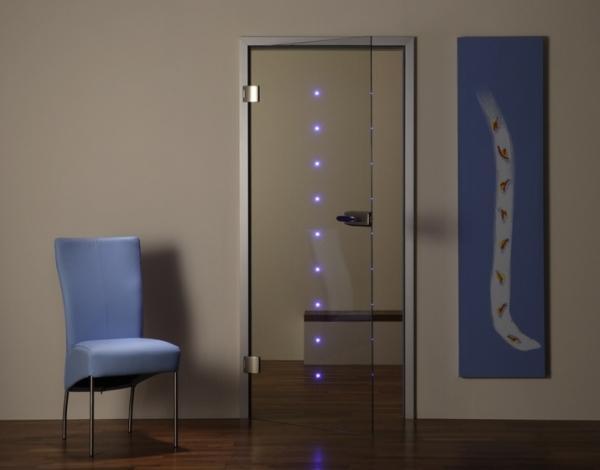 Стеклянная дверь с подсветкой